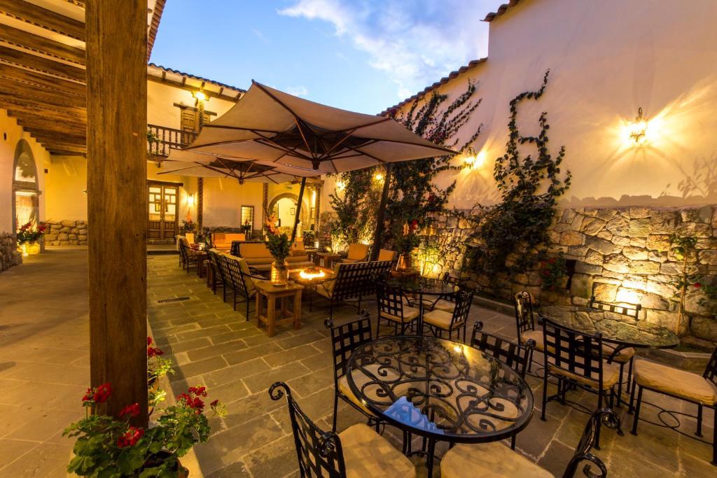 Um restaurante ou outro lugar para comer em Antigua Casona San Blas