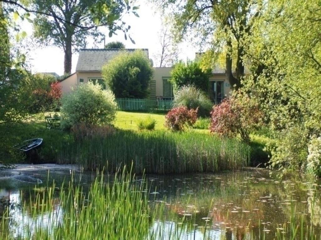 Maison de vacances / Gîte House Au jardin d\'eau - bambou zen ...
