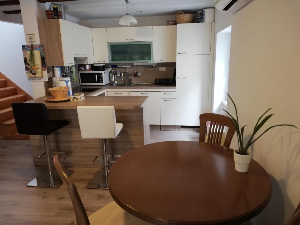 Küche/Küchenzeile in der Unterkunft Carpe diem Piran