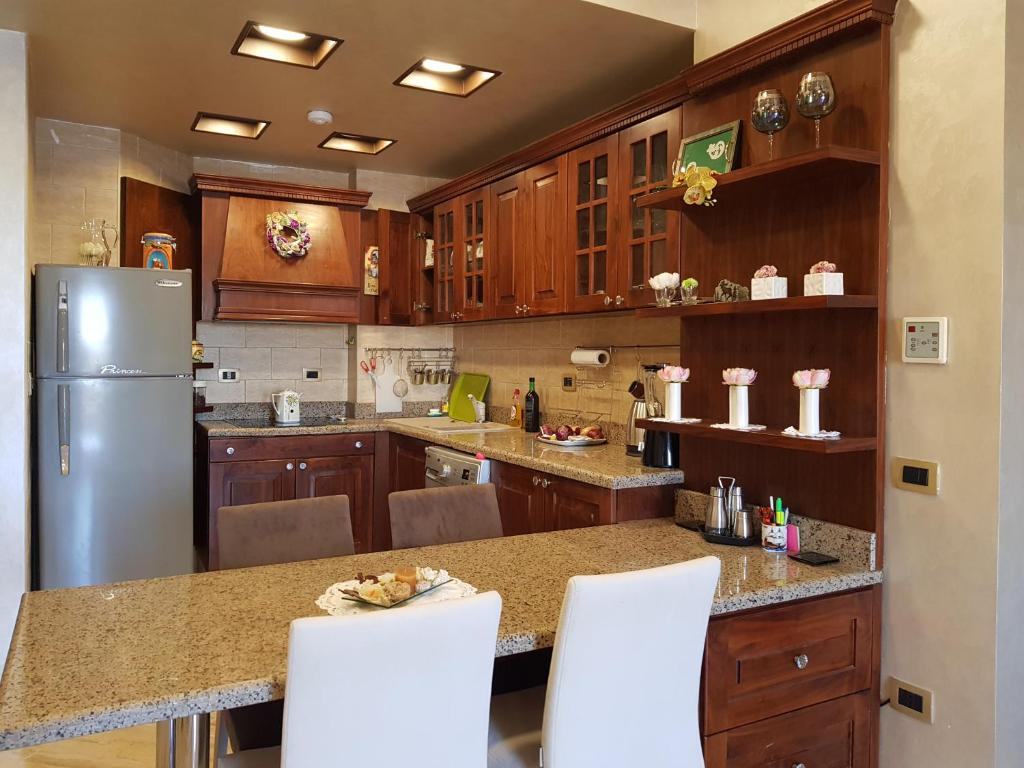 A kitchen or kitchenette at El Andalus Sahl Hasheesh (mare da sogno)