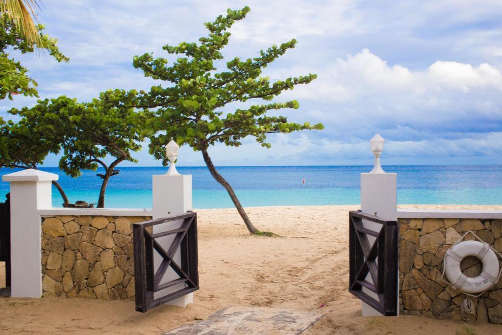 Risultato immagini per cobaya beach resort grenada