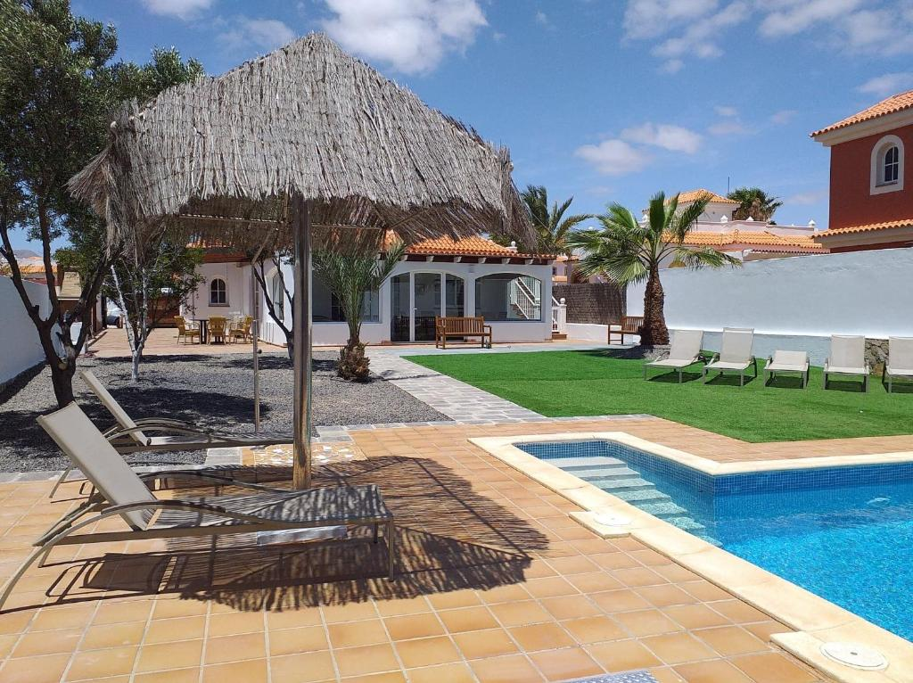 Villa Amelia, Caleta De Fuste, Spain - Booking.com