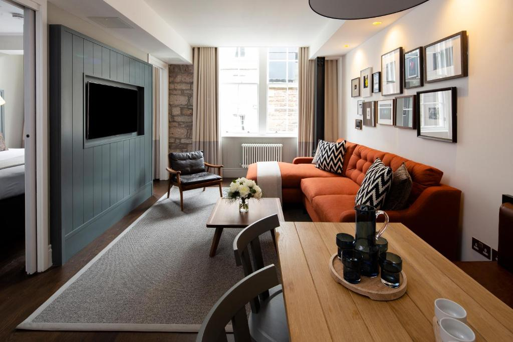 Condo Hotel Old Town Chambers Edinburgh Uk Bookingcom