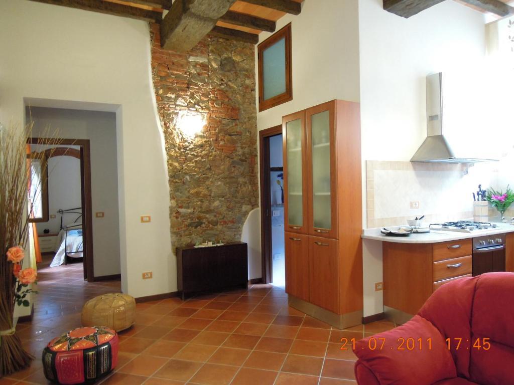 A kitchen or kitchenette at Corte Navari