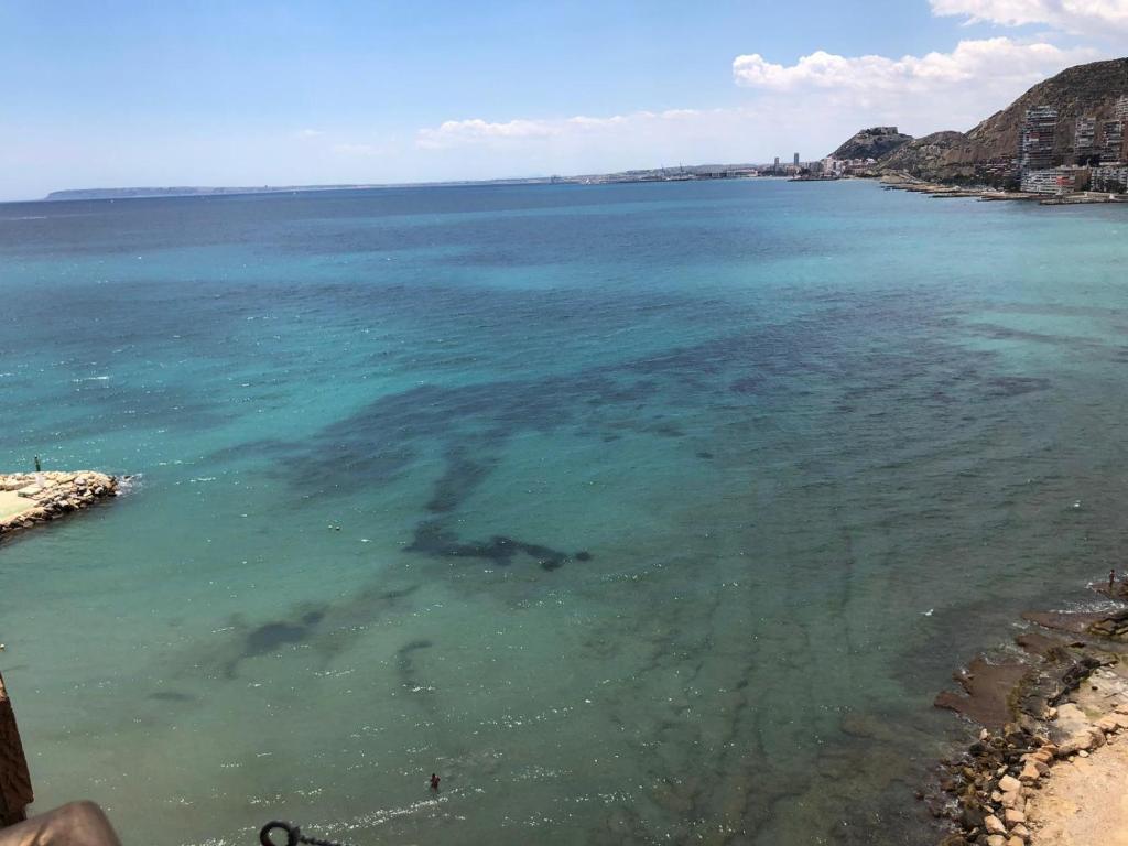 Huoneisto Atico En Primera Linea De Playa Con Vistas Al Mar