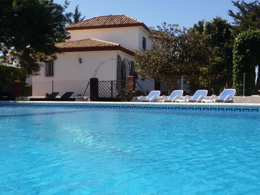 Villa Los Vientos, Conil de la Frontera, Spain - Booking.com