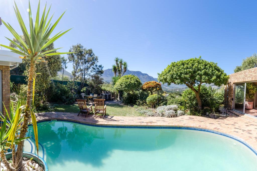 The swimming pool at or near Hout Bay Hilltop