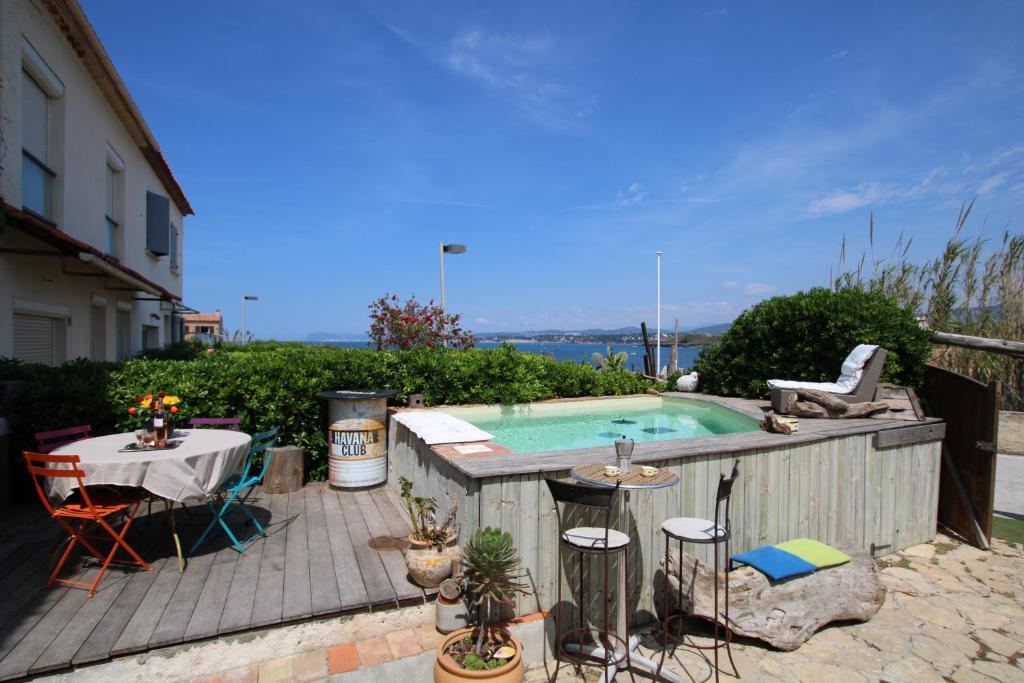 Vacation Home Un Coin De Paradis Six Fours Les Plages France