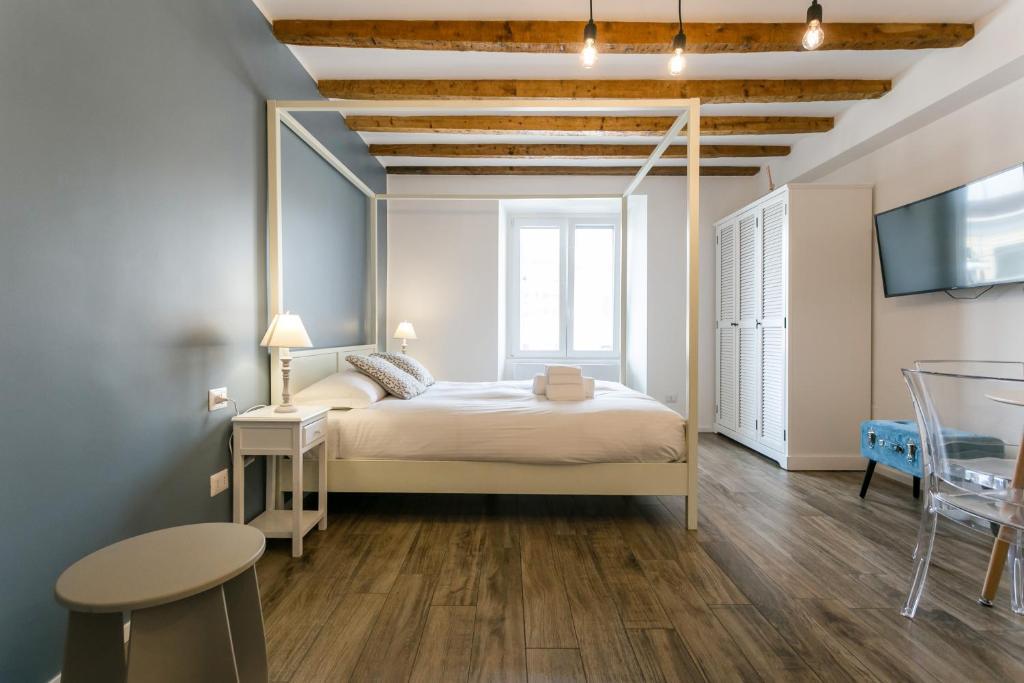 Milano Apartments Porta Genova, Italy - Booking.com