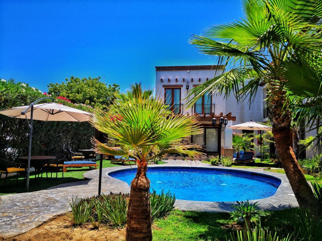 The swimming pool at or near Seven Crown La Paz Centro Historico