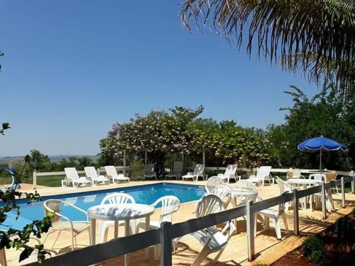 A piscina localizada em POUSADA SERRA DA CANASTRA ou nos arredores