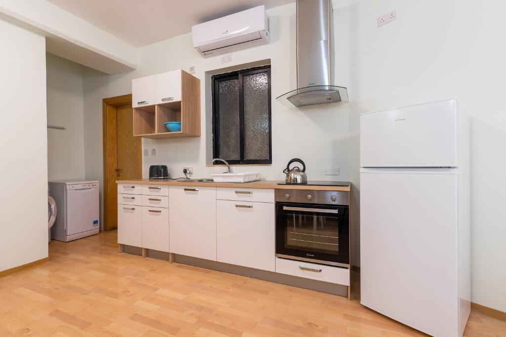 Kitchenette For Studio Apartment | Interior Design Ideas
