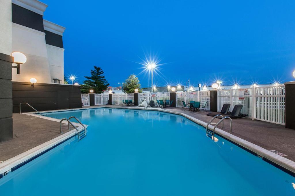 La Quinta Inn & Suites Goodlettsville – Nashville