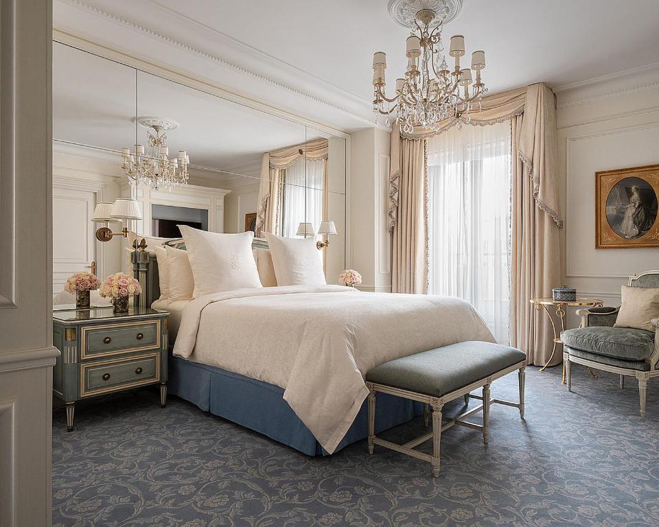 Four Seasons Hotel George V Paris, París – Precios ...