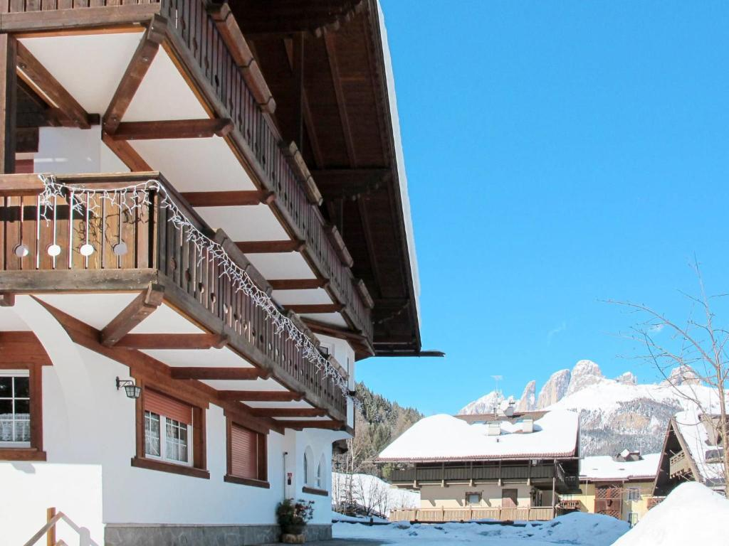 Locazione turistica Casa Lorenz (CZI720), Alba di Canazei ...