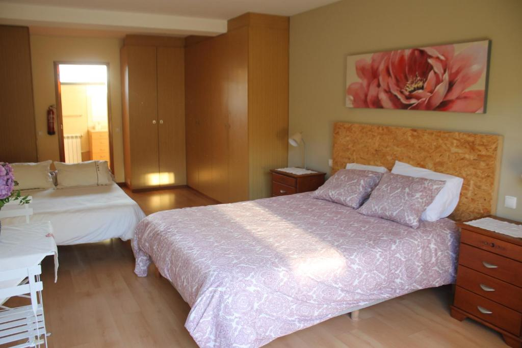 A bed or beds in a room at Quite room private near River and Beach Ancora