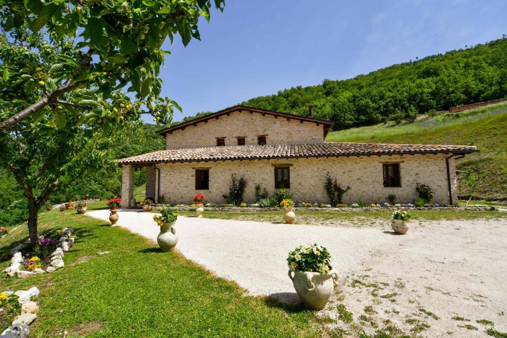 Cartina Geografica Umbria Cascia.Agriturismo La Valle Dei Bronzetti Cascia Prezzi Aggiornati Per