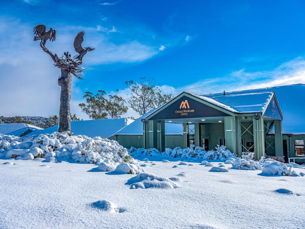 Cradle Mountain Hotel during the winter