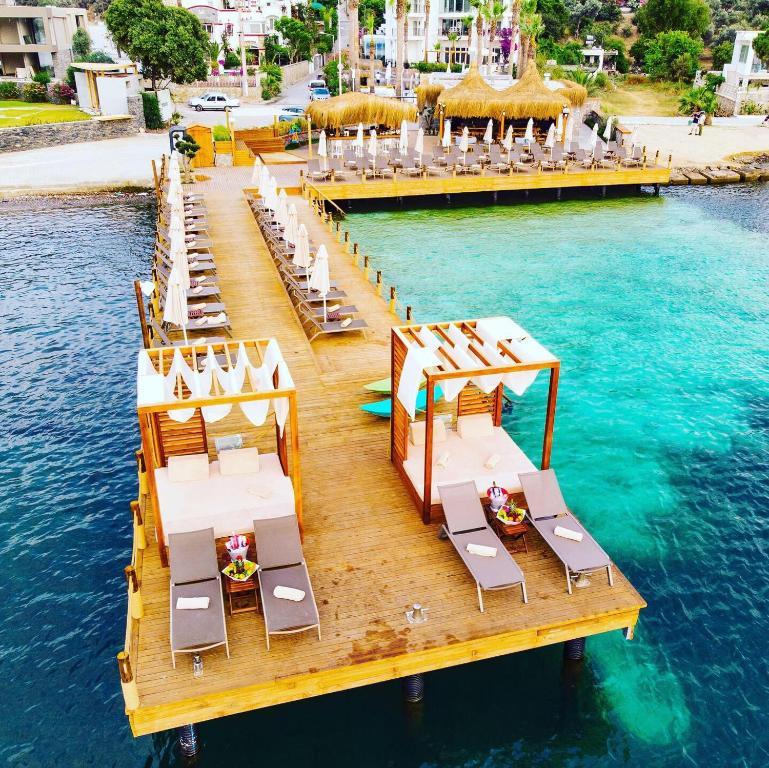 Blick auf Hotel Vita Bella Resort & Spa aus der Vogelperspektive