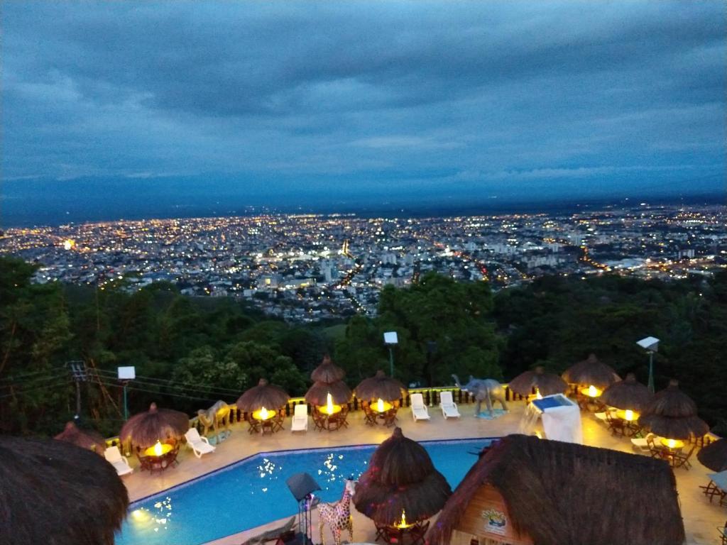 Hotel El Arca De Noe Cali Cristo Rey Cali Colombia