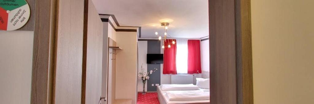 Ein Badezimmer in der Unterkunft Gasthof Falter
