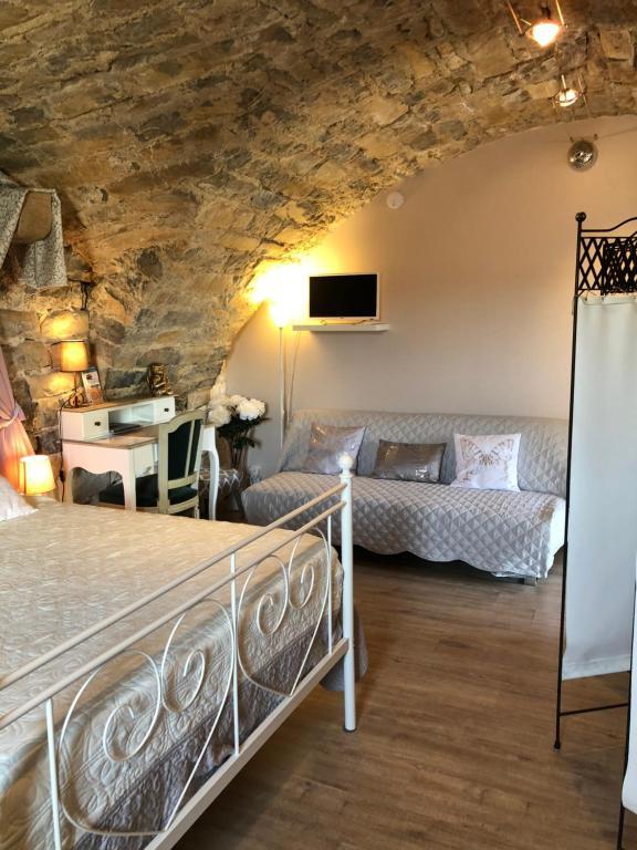 Bed & Breakfast La Maison des Evêques (Frankreich Saint ...