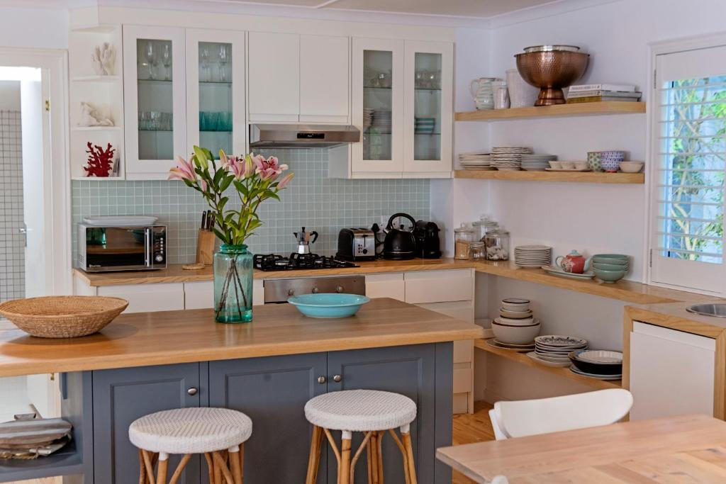 A kitchen or kitchenette at Ant's Nest