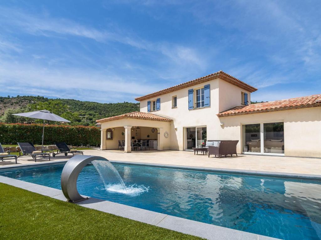 Luxurious Villa in Le Plan-de-la-Tour with Swimming Pool ...