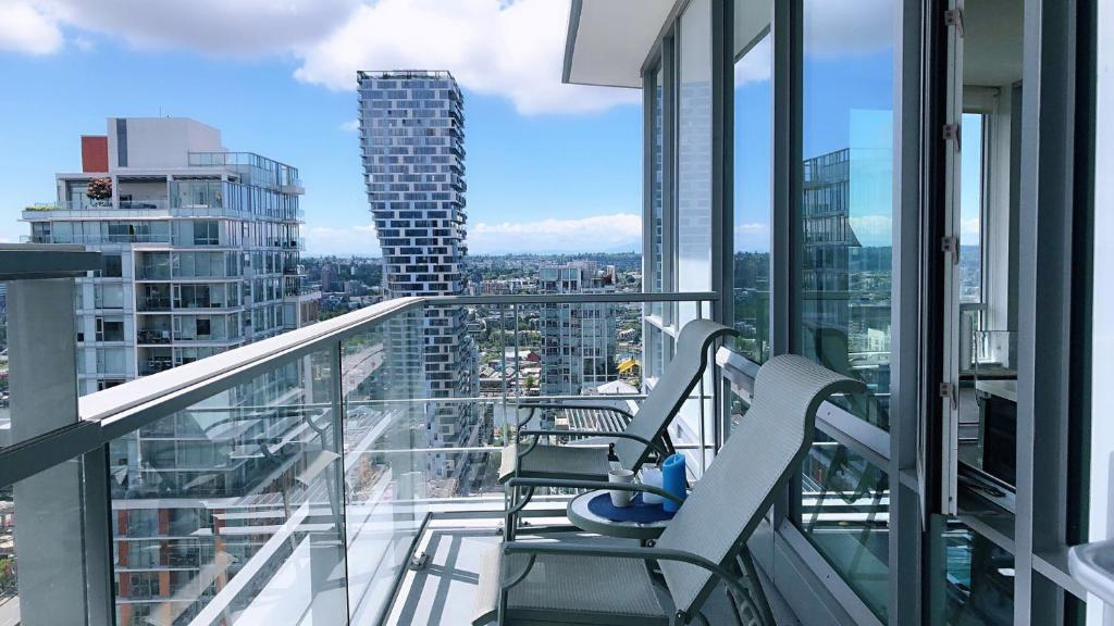 Brand New Seaview High-rise Apartment Downtown, Vancouver ...