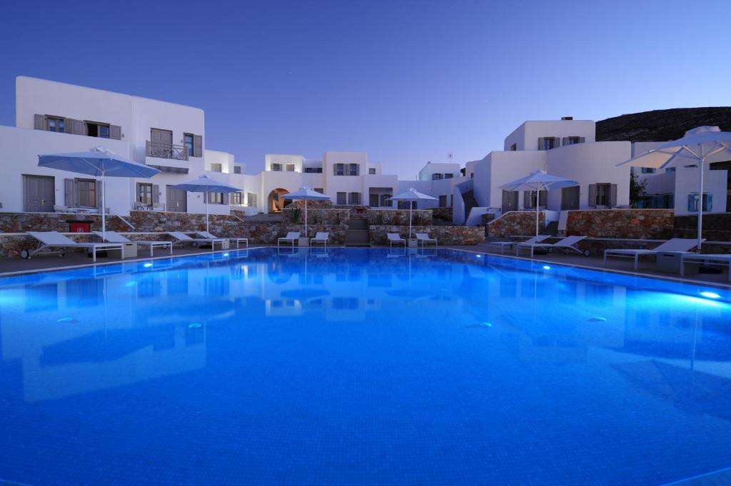 The swimming pool at or near Mar Inn Hotel