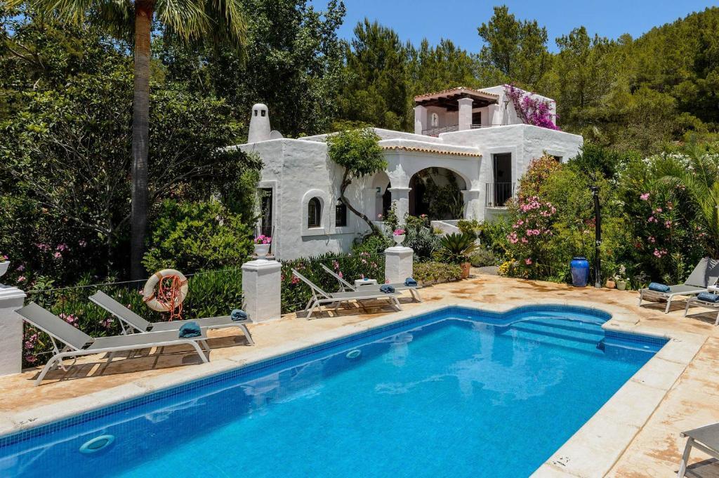 The swimming pool at or near Villa Sa Coloma