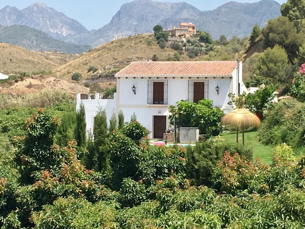 VILLA MONICA (Spanien Nerja) - Booking.com