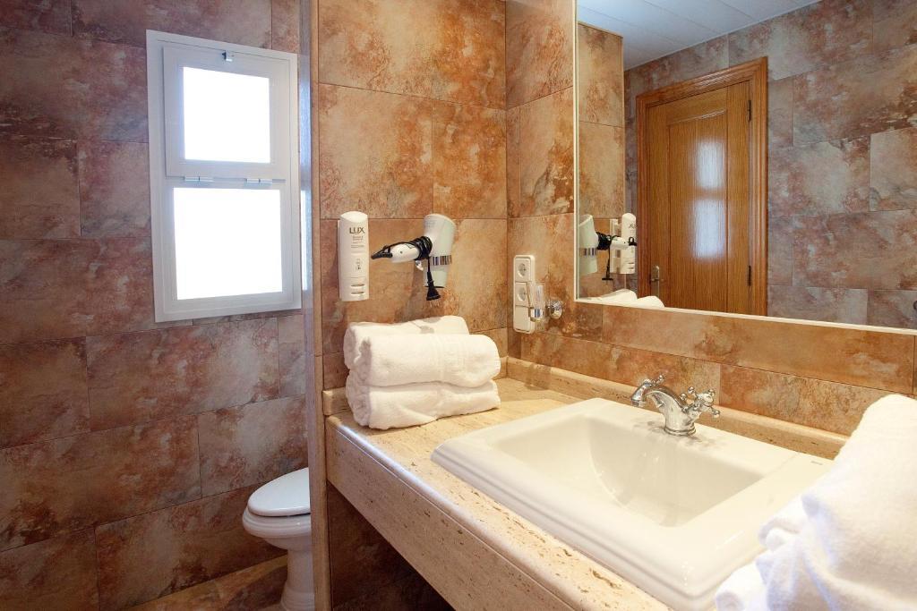 Hotel & Spa Entre Pinos, Es Caló – Precios actualizados 2019