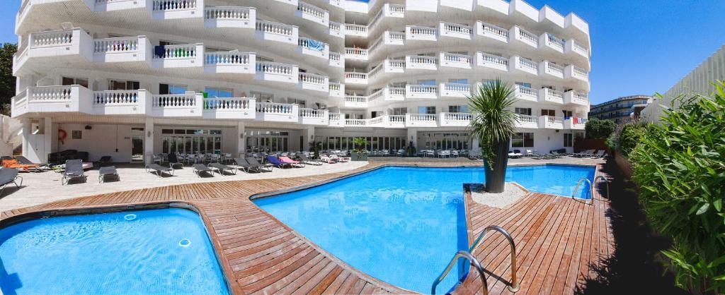 Hotel Bernat II 4*Sup (España Calella) - Booking.com