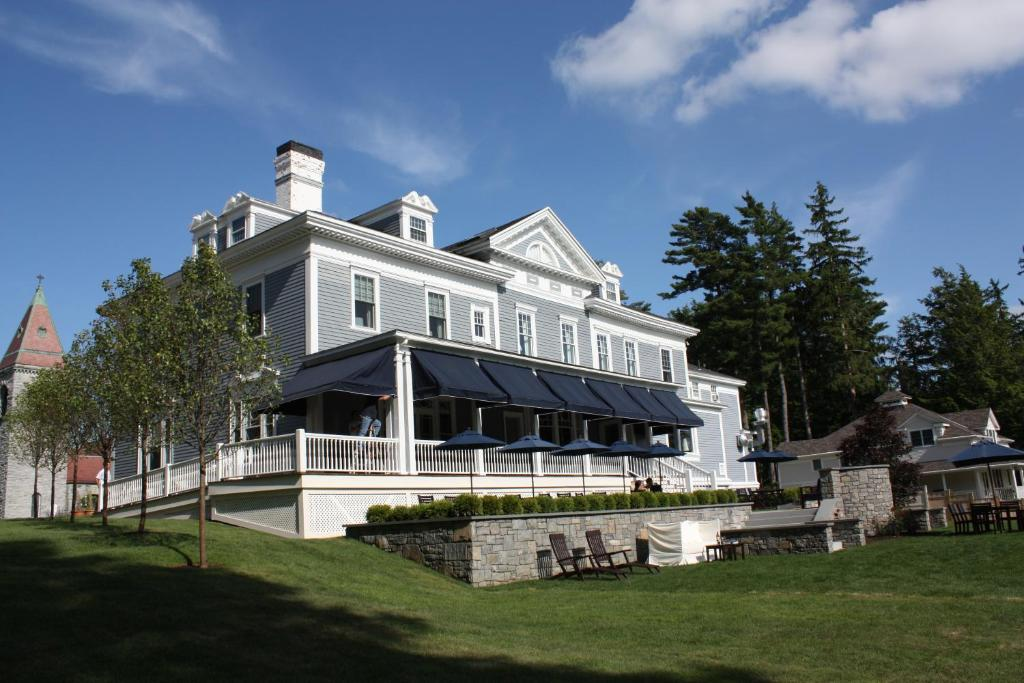 Kemble Inn and Table Six Restaurant