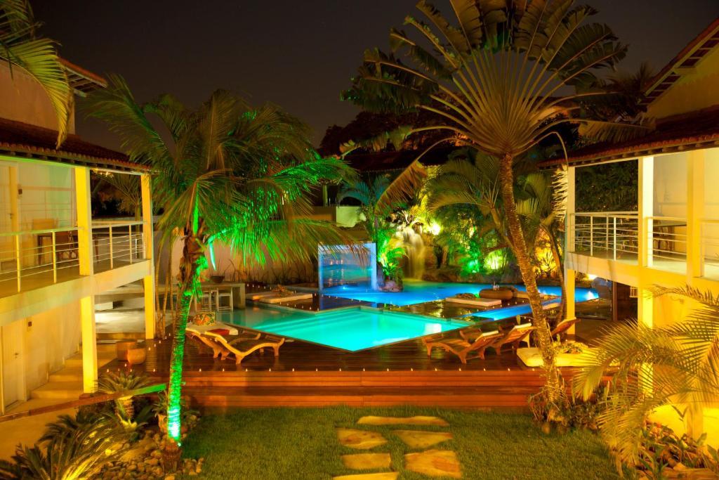 The swimming pool at or near Armação dos Búzios Pousada Design