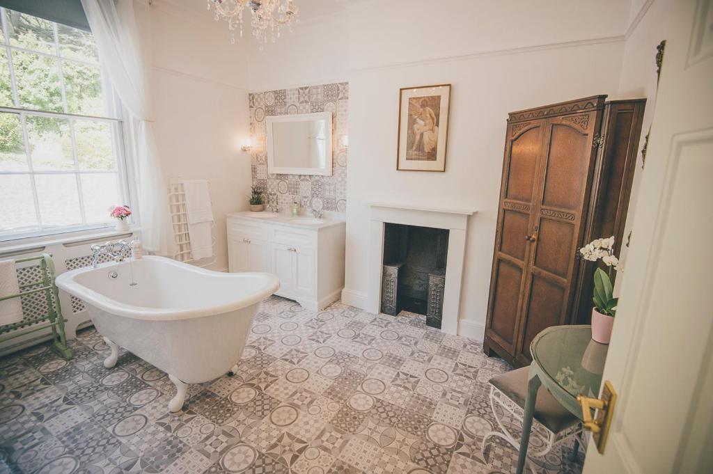 A bathroom at Sidney House