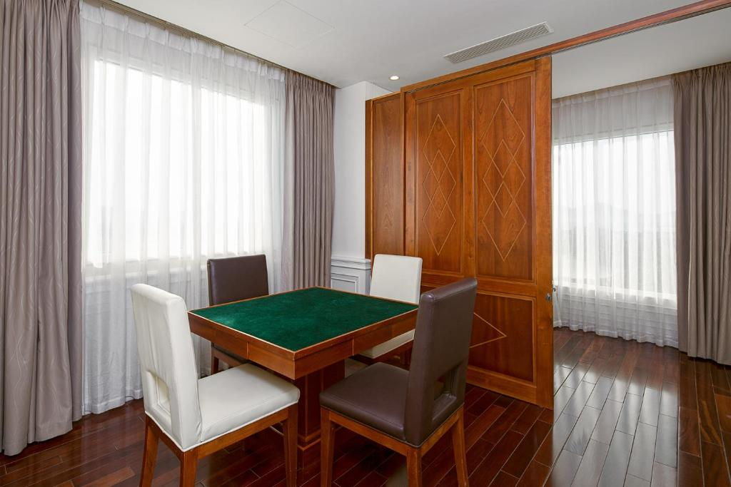 Room #133256980