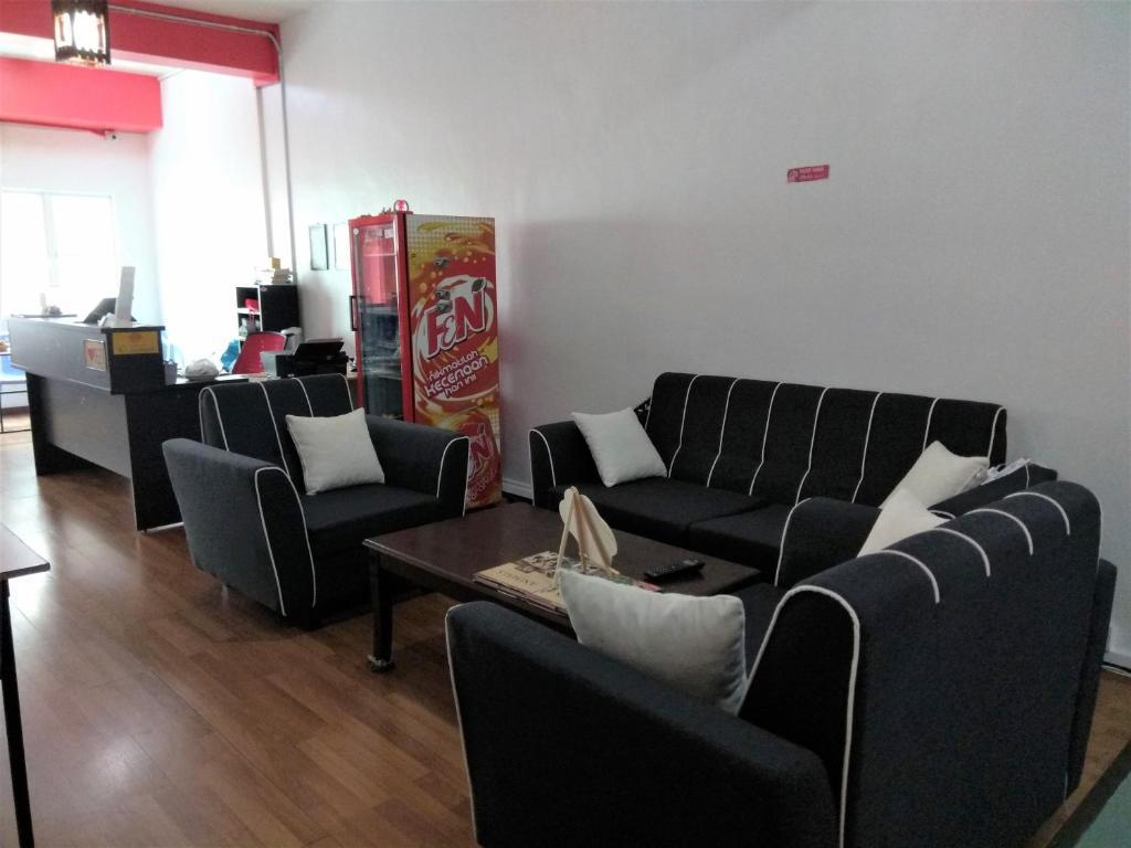 Super Borneo Sandakan Backpackers Sandakan Updated 2019 Prices Gmtry Best Dining Table And Chair Ideas Images Gmtryco
