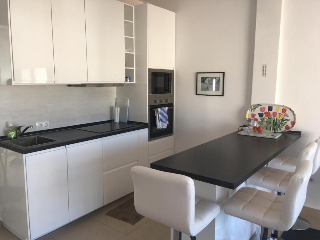 Malaga | White - Häcker Küchen - Häcker Küchen | 768x1024
