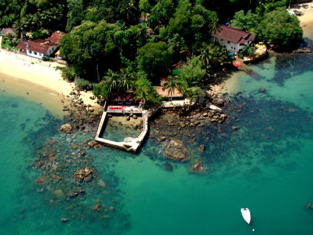 Uma vista aérea de Aquario Pousada Hostel - Night Club