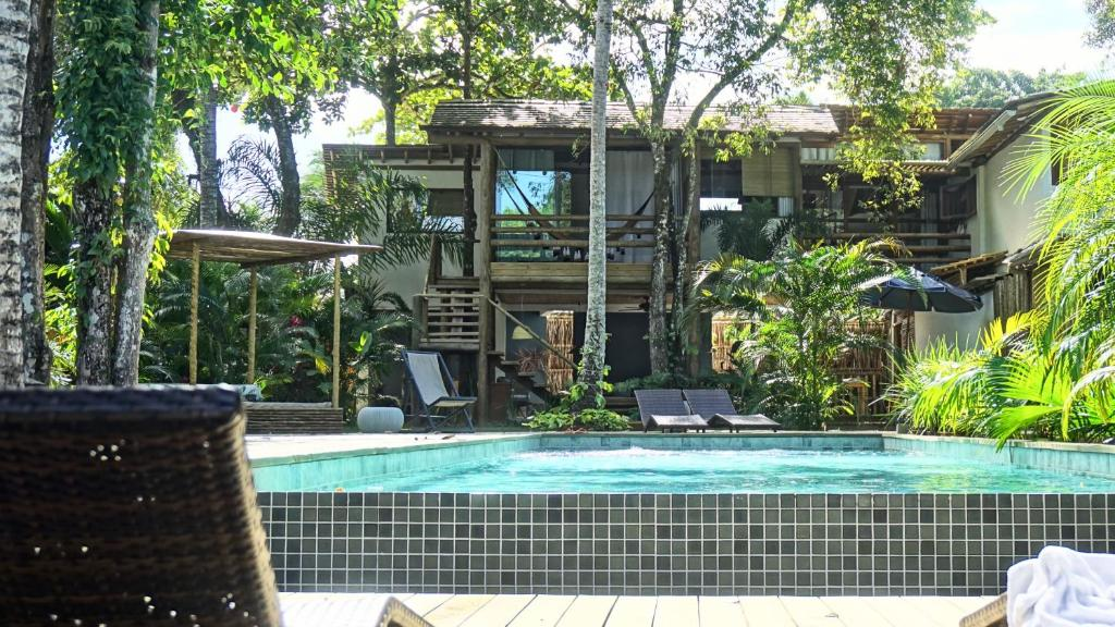 The swimming pool at or near Soleluna Casa Pousada