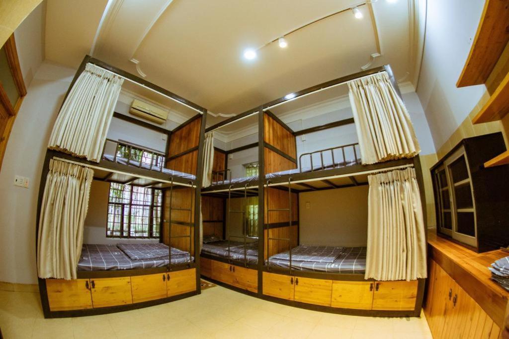 Giường Trong Phòng Ngủ Tập Thể Cho Cả Nam Và Nữ 6 Giường