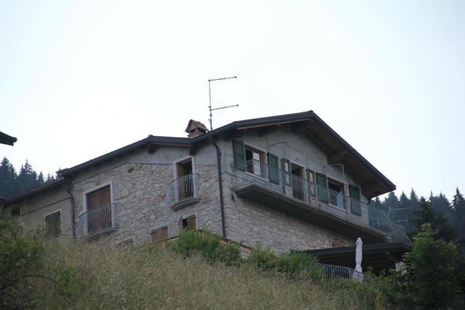 Apartment Casa A 2 Piani A Asiago Mezzaselva Roana Italy