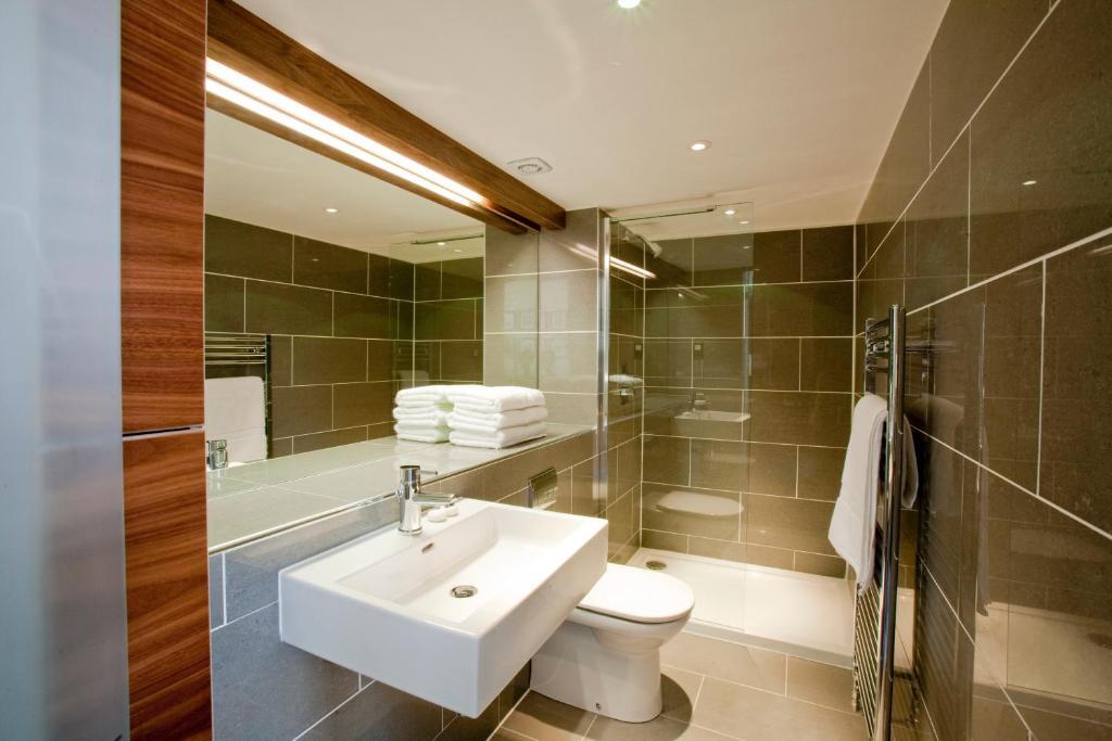 A bathroom at The Merchiston Residence