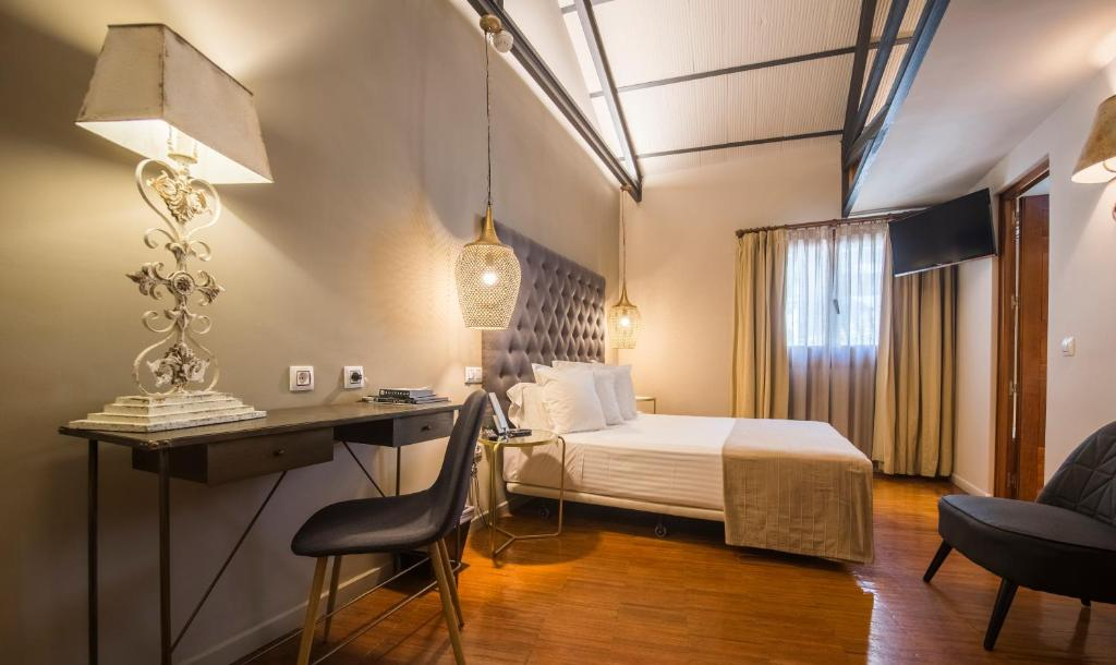 boutique hotels in toledo  45