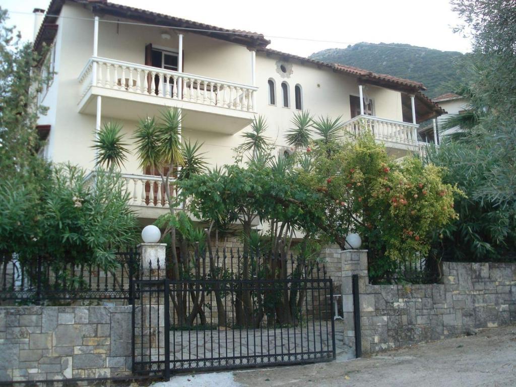 La Villa Del Duca Grecia Nikiana Booking Com