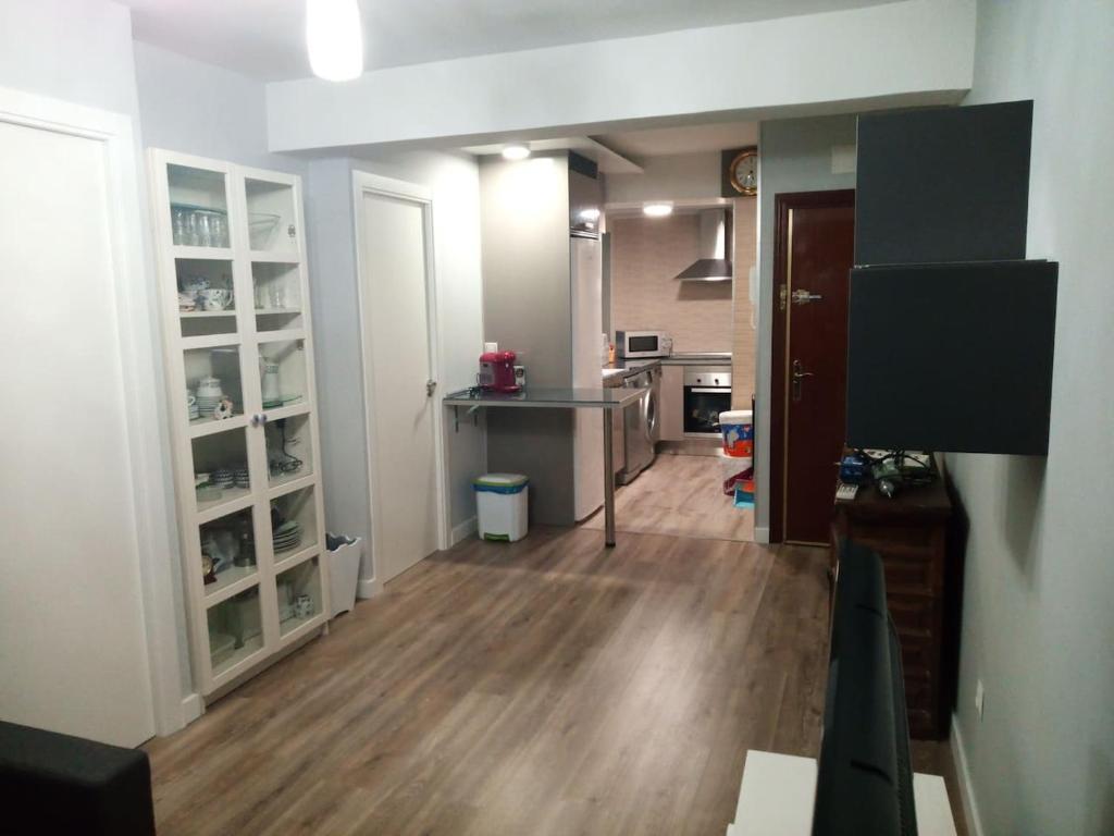 A kitchen or kitchenette at Apartamento príncipe