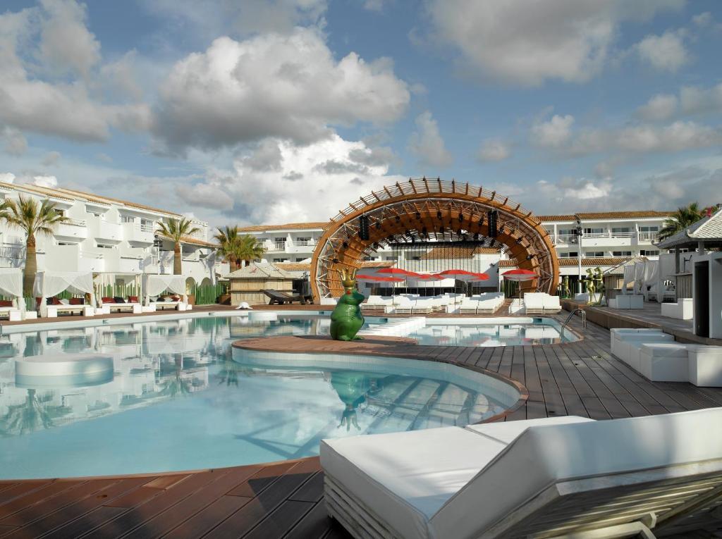 Ushuaia Ibiza Hotel (España Playa den Bossa) - Booking.com