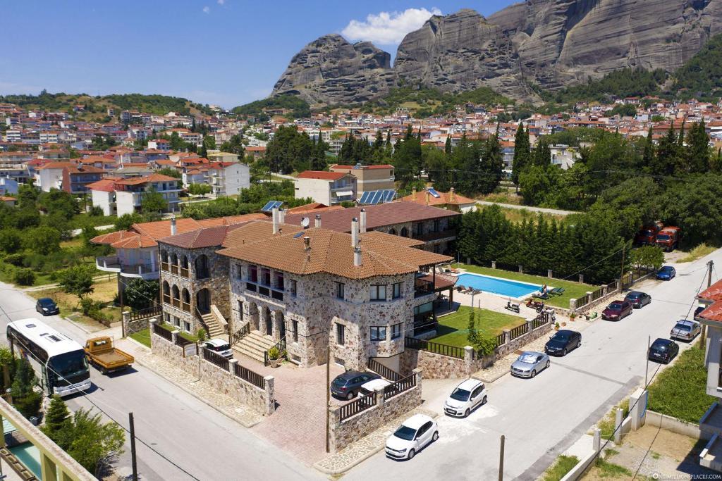 Άποψη από ψηλά του Ξενώνας Μοναστήρι